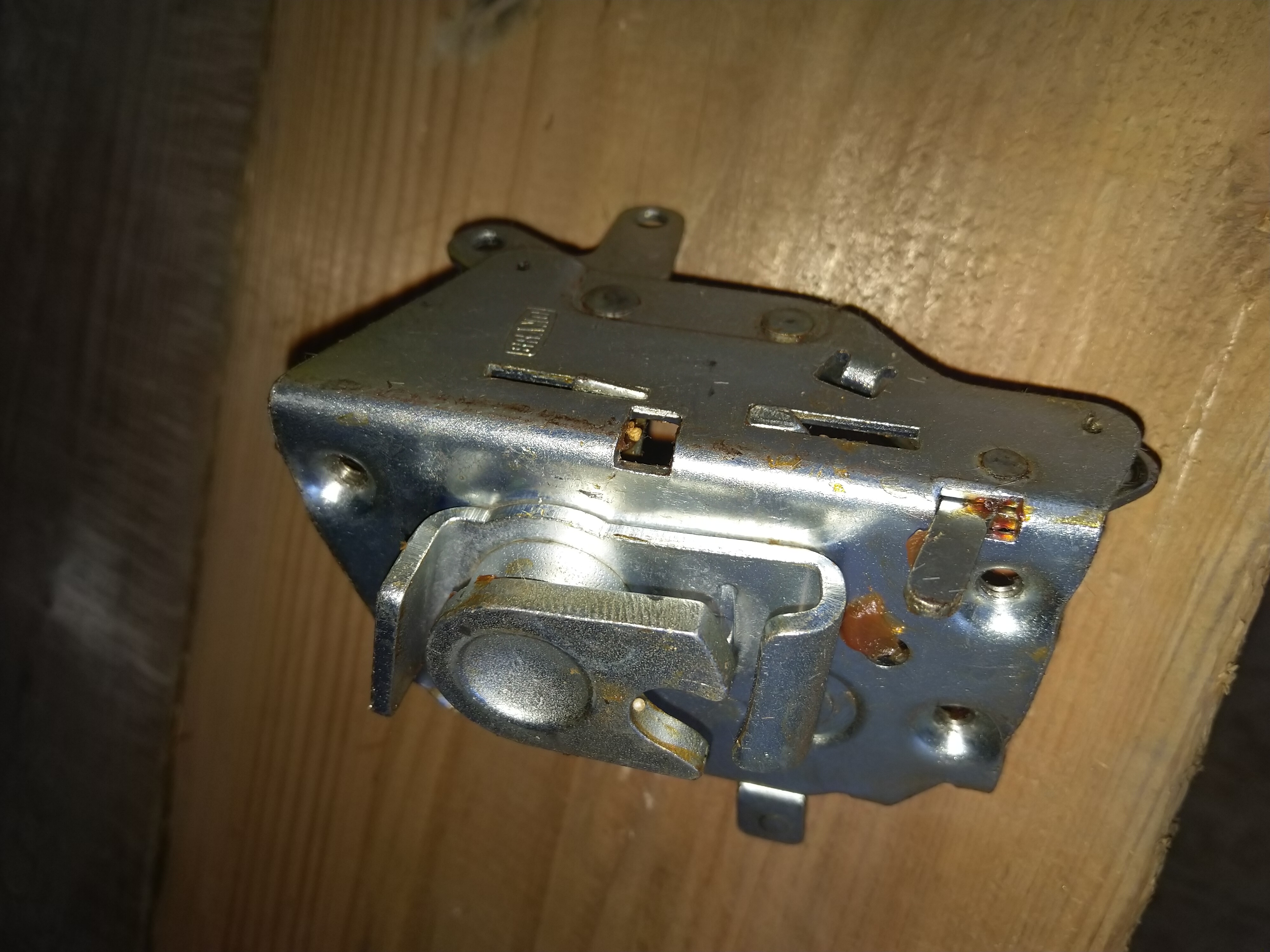 TATRA 613 - zámek dveří zadní levý