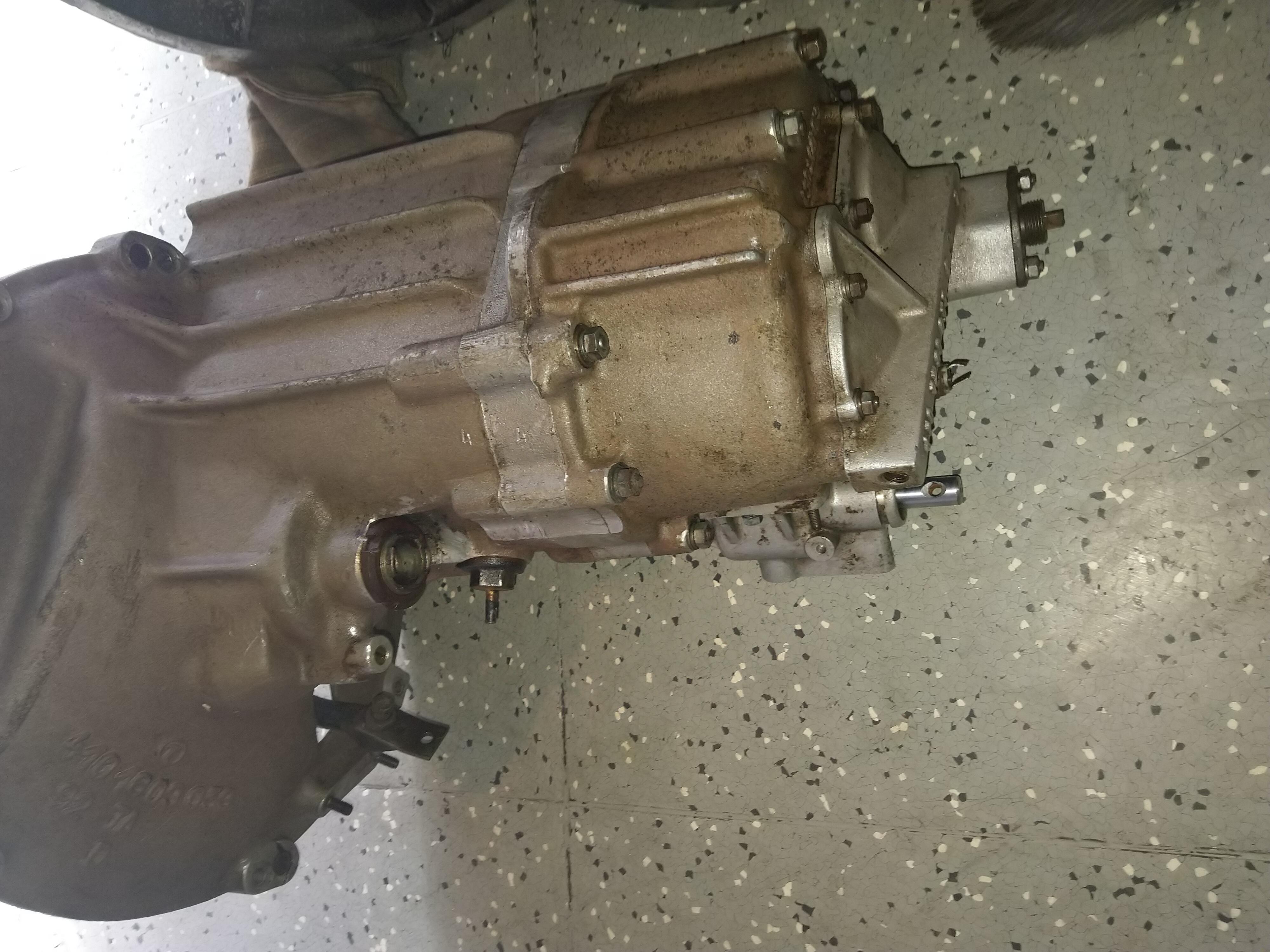 TATRA 613 - 5 stupňová převodovka